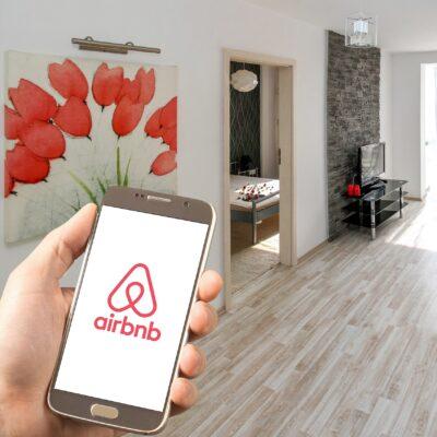 Podcastfolge der KCRW Berlin gGmbH: Airbnb - Fluch oder Segen in Berlin?